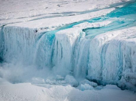 Antarctica-melting-min